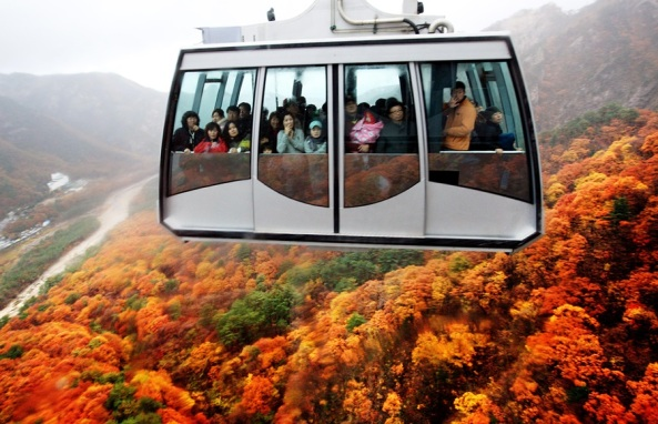 Korea - Seoraksan National park - sorak mountain -cable car (1)