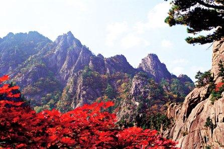 Seoraksan-Autumn-Foliage